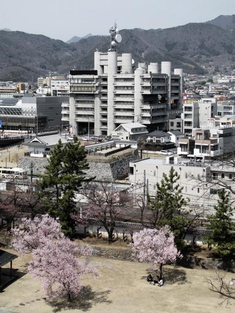 http://www.crola.ch/files/gimgs/1_yamanashi-press--broadcasting-center---kenzo-tange_v2.jpg